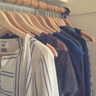What does a capsule wardrobe look like_